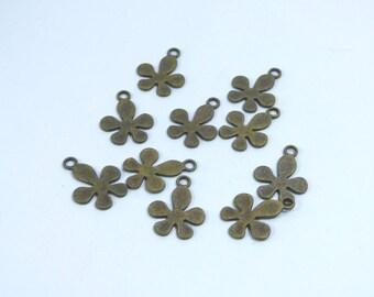 10 metal bronze flower charm