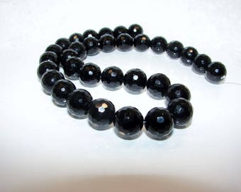 Round 12.00 mm faceted black Agate onyx bead. Semi-precious stones. (3369001)