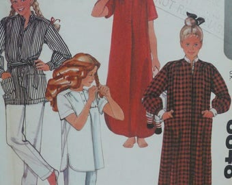Girls Robe, Nightgown, Pajamas Sewing Pattern - Vintage McCalls Pattern 8848 from the Brooke Shields Collection - Size 12-14