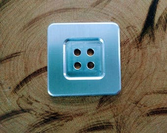 Diameter 5 cm square aluminum button