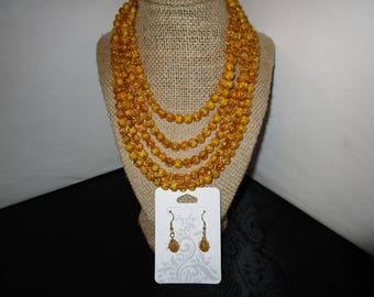 Light Gold Necklace & Earrings Set