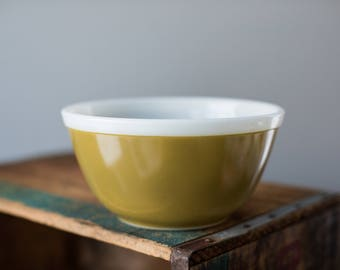 Vintage Pyrex 402 Americana Fall Colors Olive Green White Rim Mixing Nesting Bowl
