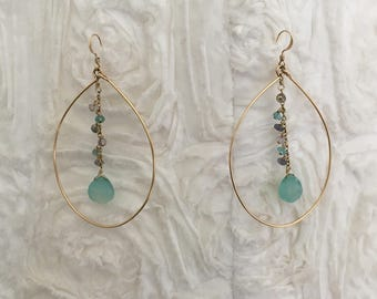 Earrings in gold filled wire with semi-precious stones