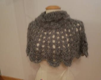 beautiful capelet / poncho hand knitted
