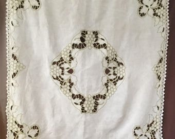 Tablecloth: Antique handmade tefelkleed in Art Deco style. Vintage Tablecloth Nappe ancien