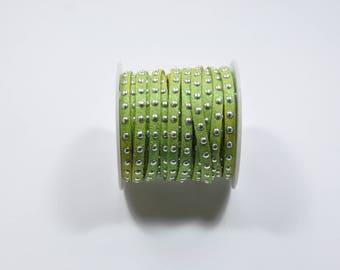 CO41 - 1 metre green suede cord metallic studs silver