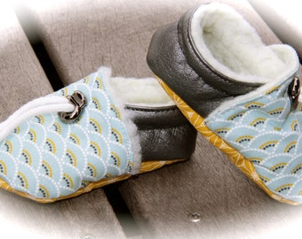 BOOTIES baby boy 3-6 months or 9-12 Japanese
