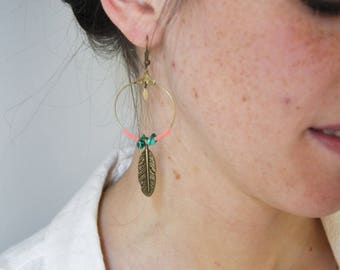 Brass feather earrings / green & coral