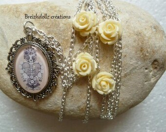 Necklace cabochon Lady skeleton and roses