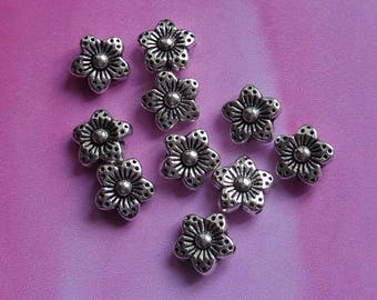 Set of 10 small bead spacer flowers