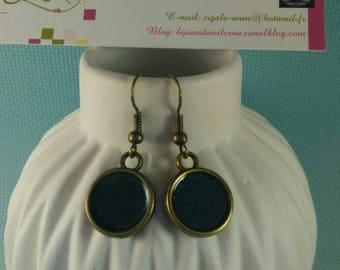 Gunmetal colored dark blue round earrings