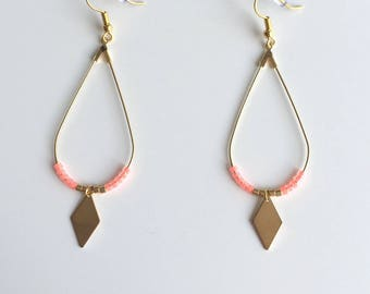 Drop earrings gold, neon pink beads and Golden diamond