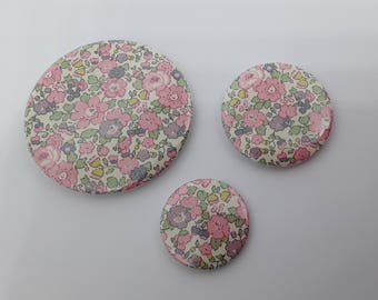Whole set of 3 magnets in Liberty Betsy Ann rose 3 different sizes