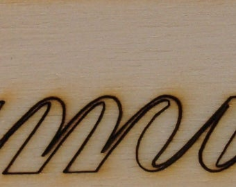 set of 2 words family 526 Cup on wooden plate can also be cut