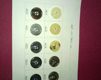Fifteen buttons surfboard resin 2 cm