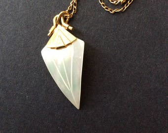 Mother of Pearl gold tone necklace [SKU184]