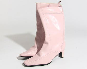 Pink leather 90s boots by Harvé Benard