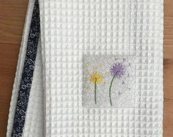 Handmade hand towel with Dandelions motif hand-embroidered by Apples N' Thyme