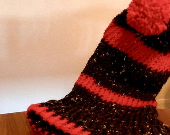 black and red wool hat with handmade pom pom for her made in Italy handmade gifts for him and her