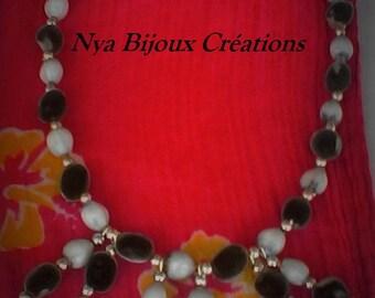 Original necklace with zanzibar seeds and job tear seeds