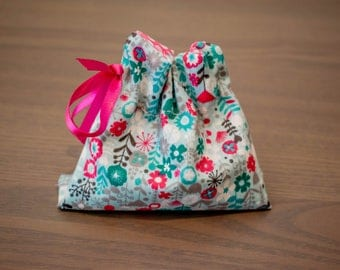 Pretty Dice Bag plus optional dice for Tabletop Gaming, Role Playing, Dungeons and Dragons, Boardgames