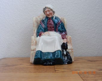 """Royal Doulton Figurine """"Forty Winks"""" HN 1974 Dated 1945 Retired 1973 Mint Condition"""