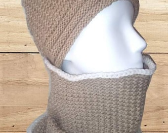 Beige hat and snood set