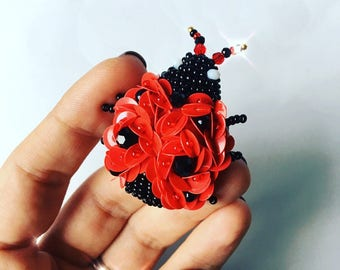Red ladybug jewelry brooch beaded accessories polka dot pin sequin gift women good luck brooch Christmas gift friend insect brooch ladybird