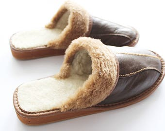 SHEEPSKIN slippers Fur winter boots Warm moccasins Gift for women Warm slippers Leather slippers Fur boots Shearling slippers brown slipper