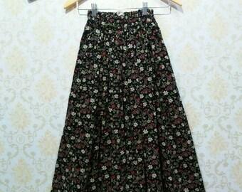70's 80's Vintage Cute Floral Flowed Long Skirt