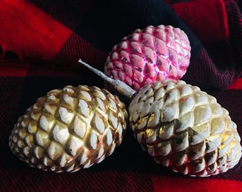 Glass vintage pink and gold pinecones