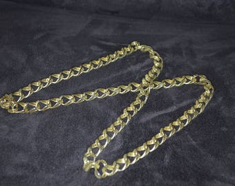Vintage 17 in Gold Tone Necklace