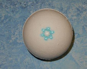 White Gardenia Bath Bomb
