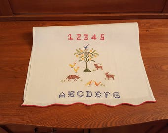 Vintage kitchen dishcloth - towel - embroidered - embroidery sampler