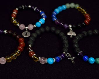 The 7 chakras gemstone bracelets.
