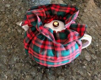 Williams-Sonoma Stuart Dress Tartan Plaid China Tea Pot with Quilted Cozy