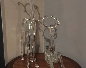 Decoration very nice statues of deer, no glass but polyester, decoration very nice images of deer, no glass but polyester
