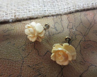 Pair of Vintage Cream Colored Rose Flower Earrings with Screw Back Clips ( Clips Marked 1/20 12K Gold Filled )