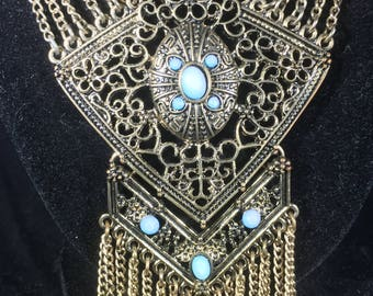 Long dangle neckle with blue stones
