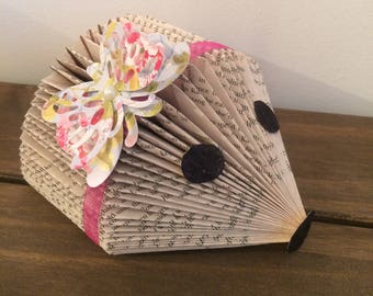 Book fold hedgehog