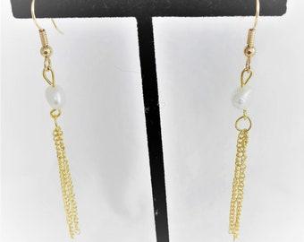 Natural Fresh Water Pearl Dangling Earrings