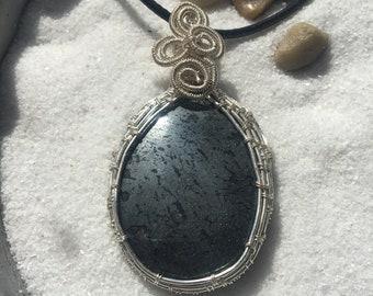 Hematite stone wire wrap pendant