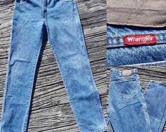 90s high waisted wrangler jeans, mom jeans,  wrangler jeans, 90s jeans