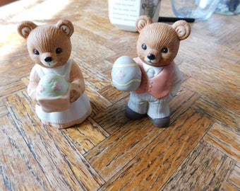 SALE Vintage Homco Mama and Papa bear holding Easter eggs figurines