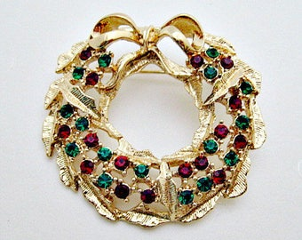 Wreath Christmas Pin Brooch / Red Green Crystals / Vintage Holiday Brooch / Christmas Jewelry Gift