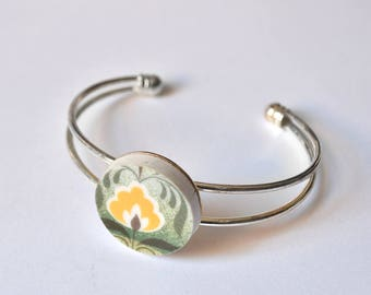 Recycled China Cuff Bracelet - Green and Yellow Floral