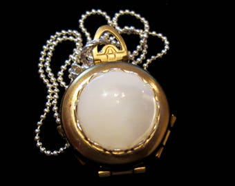 Vintage 4 Picture Locket Silver and Gold - Mother of Pearl
