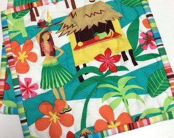 Quilted Pot Holders Hawaiian Hula Hut Hot Pads Set of Two Handmade  Ocean Beach House Tropical