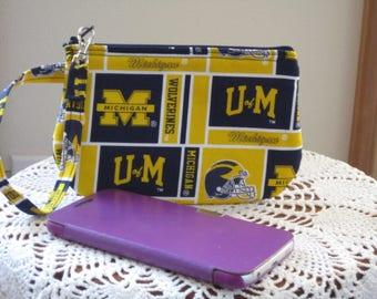 Clutch Zipper University Michigan Gadget Pouch Wristlet Smart Phone Bag Football