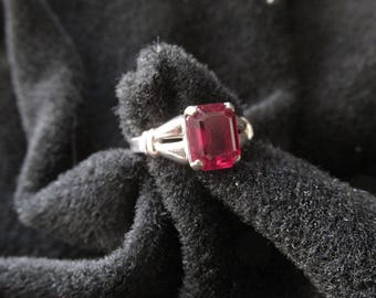 Vintage Sterling Silver Ring Red Stone Vargas Pinky or Children's Jewelry Size 4
